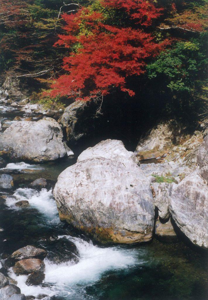 尾前渓谷(おまえけいこく)