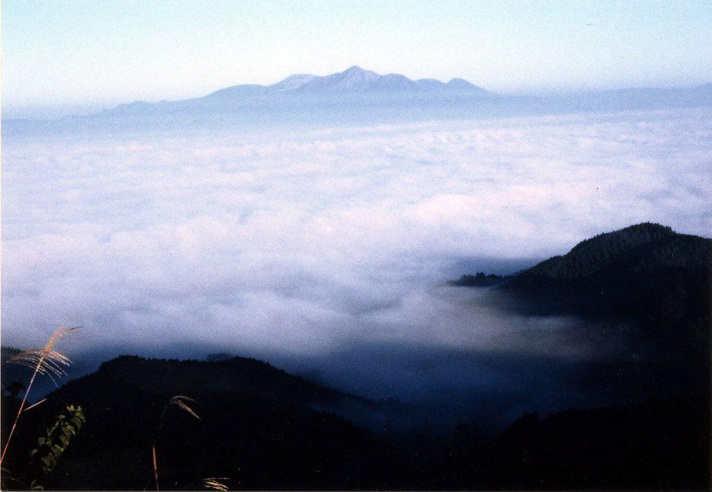 金御岳公園(かねみだけこうえん) 紅葉時期 例年11月頃