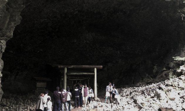 天安河原 社と洞穴 4K写真