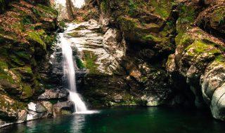 御社の滝 4K写真 大自然を満喫しながら 健康的な体づくり 祖母山 トレッキングコース 神原登山道